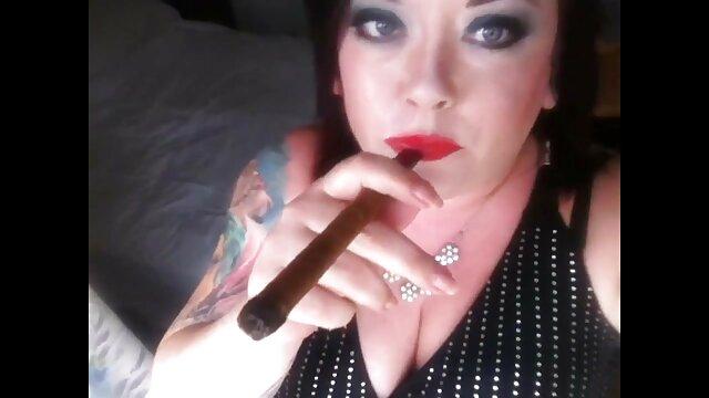 Մուլտֆիլմ նստում է իր ծանր էշի հետ տնային պոռնո խողովակ վիդեո միս