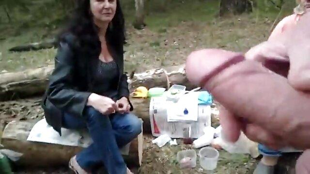 Խաղալ եւ եղբայր քույր տնային սեքս տեսանյութեր Evie Scott