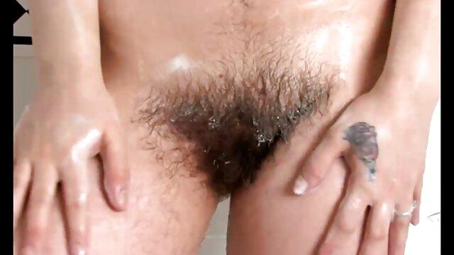 Սինդի հնդկական հնդկական տնային սեքս տեսանյութեր Քրոուֆորդը հանել է իր հագուստը խորը կոկորդի տեսանկյունից ։
