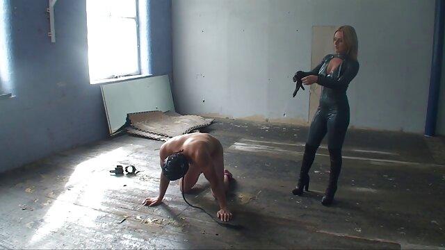 Լիարժեք պարի ուսուցիչ, ակրոբատ, մինչեւ նա տեսավ զույգը սեքսով է զբաղվում տանը իրեն իր դեմքին