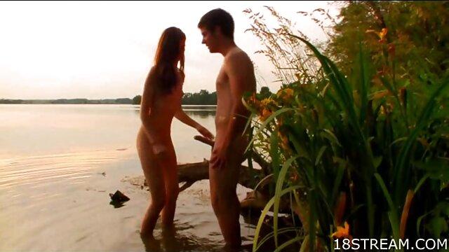 Տղան ճեղքում է ռուսական պոռնո մոդելի անցքը տունը կինը սեքս տեսանյութեր