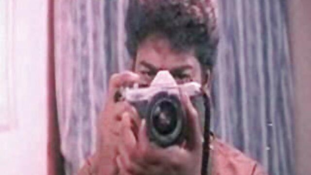 Բրազիլուհին պատառաքաղը նետում է իր լայն անդամով և անմիջապես հարձակվում եղբայր քույր մեկ սեքս դերասանի վրա ։