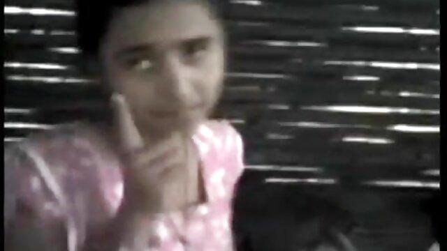 18-ամյա աղջիկը հնդկական տուն կինը պոռնո երեք անծանոթներով.