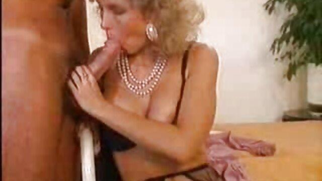 Գեղեցիկ Jenna հնդկական կինը տնային սեքս Bella, Tiffany Dame միմյանց, ետեւում ejaculation ծավալը.
