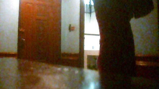 Առանց թամբի, նիհար դեռահասներ տնային պատմություն պոռնո աղջիկ կատարելապես զբաղվում սեքսով իր հոր.